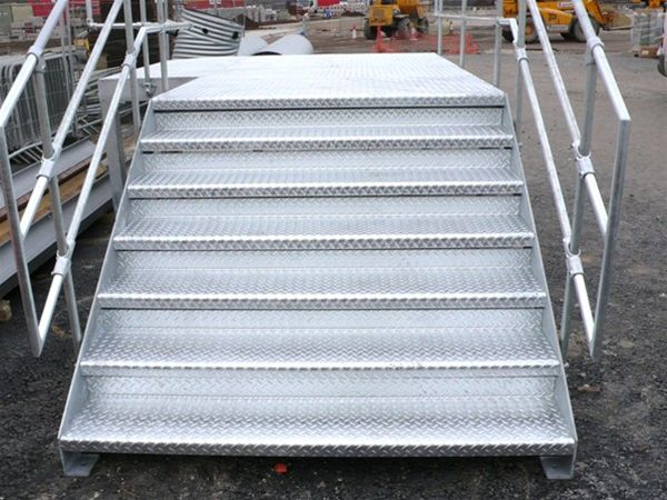 PM05 Fabricated Metal Landing & Stairs Clay Cross