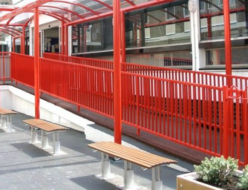 R04 Vertical Rail Metal Railing to Library London